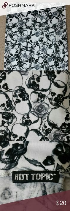 Skull pencil skirt Black skull and roses print on white stretchy pencil skirt. Slip on style, no buttons or zipper. Size small. Hot Topic brand. Hot Topic Skirts Pencil