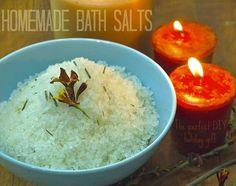 Homemade Bath Salts - Great DIY gift.