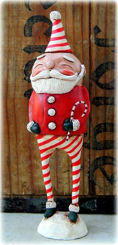 paper clay santa in pajamas Polymer Clay Christmas, Christmas Paper, Clay Dolls, Art Dolls, Paper Mache Clay, Santa Doll, Theme Noel, Christmas Decorations, Christmas Ornaments