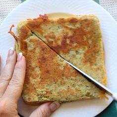 Keto grilled cheese recipe to make for lunch or dinner! Ketogenic diet grilled cheese 90 second bread recipe in the microwave. Keto diet/ low carb idea - Keto grilled cheese recipe to make for lunch or dinner! Ketogenic diet grilled c. Ketogenic Recipes, Low Carb Recipes, Diet Recipes, Cooking Recipes, Lunch Recipes, Healthy Cheesecake Recipes, Keto Lunch Ideas, Wheat Free Recipes, Water Recipes