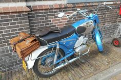 Zündapp bromfiets ca - Medemblik NED-NH Moped Scooter, Nostalgia, Scooters, Classic, Vehicles, Motorcycles, Vintage, Beautiful, Motorbikes