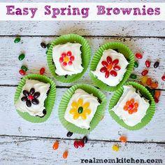 Easy Spring Brownies   realmomkitchen.com @pillsburybaking #ad