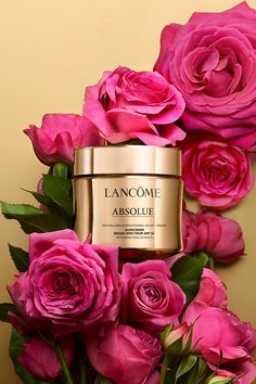 An anti-aging face cream that provides skin rejuvenation and all-day hydration. With SPF 15 sunscreen protection, skin is more resilient to visible signs of aging caused by sun damage. Velvet Cream, Flat Lay Photography, Skin So Soft, Skin Care Regimen, Lancome, Beauty Care, Sunscreen, Beauty Secrets, Anti Aging