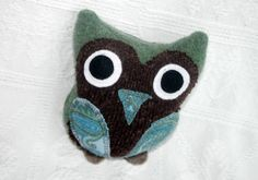 Little Owl Handcrafted from Upcycled Sweaters by miraclemittens, $16.00