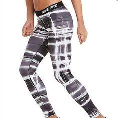 Nike Pro Printed Tight NWT medium. Nike Pants Leggings