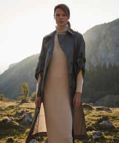 Big Country: Our Autumn Looks - Maison Gassmann Autumn Look, Fall Looks, Fall Winter, Cashmere Pullover, Big Country, Mantel, Diana, Raincoat, Photoshoot
