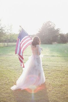 Love this patriotic themed shot, especially for a military wedding!