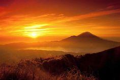 Tempat Terindah Menyaksikan Matahari Terbit