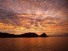 Sublime coucher de soleil sur l'Ile Rousse