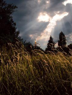 Явление ангела над селом Кондратьево #ангел #вечер #июль #облака #пейзаж #солнце #тучи #церковь