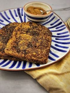 Healthy French Toast. How to make simple French Toast? I will show you with this healthy cinnamon French Toast recipe. You can find the recipe via the button 'visit' or on organichappiness.nl