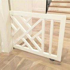 A pocket baby/pet gate in between kitchen and the living room Pet Gate, Dog Gates, Diy Dog Gate, Diy Baby Gate, Baby Gate With Door, Dog Rooms, Deco Design, Design Design, My Dream Home