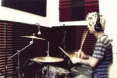 Hah wrong drummer but hey it's Billie @clxire__