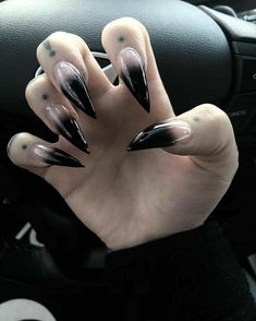 Nails as black as our soul! Witchy Nails, Goth Nails, Edgy Nails, Grunge Nails, Stylish Nails, Halloween Acrylic Nails, Best Acrylic Nails, Exotic Nails, Claw Nails
