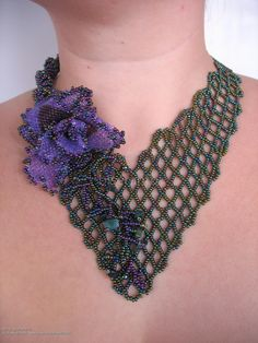 Колье с цветком Tear, Crochet Necklace, Jewelry Making, Patterns, How To Make, Fashion, Infatuation, Nature, Pearls