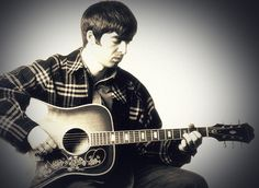 I don't believe in the world outside my room Gene Gallagher, Lennon Gallagher, Playing Guitar, Oasis, The Outsiders, Champagne, Musicians, Book, Books
