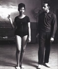 "Aretha Franklin rehearses steps with the legendary dancer and choreographer Charles ""Cholly"" Atkins at a dance studio in 1961."