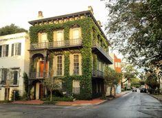 A local's guide to Savannah ga; fun things to do in Savannah
