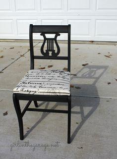 Attirant Vintage Lyre Chair