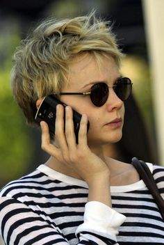 Just gotta love carey mulligan's messy hair!i'm taking her pic on my next visit to the hair stylist! :)