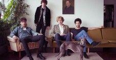 """Arriva oggi nelle radio e in video """"DOWN"""", il nuovo atteso singolo che segna il ritorno discografico dei THE KOOKS a distanza di 2 anni dal ..."""