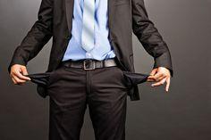 Kann der Arbeitgeber einfach das Gehalt kürzen, wenn die Leistung nicht stimmt? Wir erklären, wann eine Gehaltskürzung überhaupt in Betracht kommt...