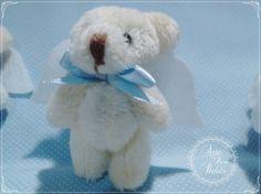 💙🐻👼💙Olha que novidade mais fofaaaa!!  Urso anjo ou anjo urso?!  É um chaveiro muito delicado, fofinho e cheiroso.  Amei!!    Esses foram preparados com muito amor e carinho para a chegada do Miguel!!    Como muitas mamães mandaram msgs pelo nosso #story, já cadastrei essa fofura no site!!  Corre lá!!    👉👉👼🐻http://bit.ly/chaveiro-urso-anjo        #gestante #gravidez #baby #maternidade #bebe #mamae #maedemenina #maedemenino #instababy #mae #gestacao #gestação #bebê #lembrancinha…