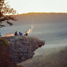 Hawksbill Crag, Whitaker Point, Arkansas http://www.buffaloriver.com/whitaker-point-trail-hawksbill-crag/