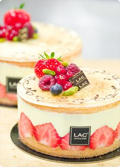 Fraisier (cherry cake): my favorite special event/posh party cake. If I was to get married, that'd be my wedding cake!!