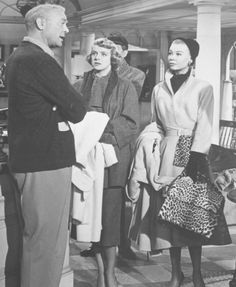 Golden Age Of Hollywood, Vintage Hollywood, Classic Hollywood, White Christmas Movie, Christmas Movies, The Others Movie, Ellen White, Vera Ellen, Rosemary Clooney