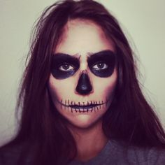 Pin for Later: 40+ Easy Halloween Costumes For Lazy Partygoers Skeleton Face All you need is some black eye shadow to create this simple yet scary look. Check out this simple tutorial.