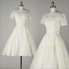 vintage 1950s dress . ivory lace . silk blend