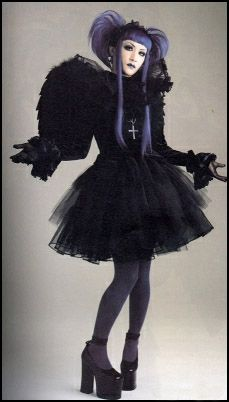Gothic Lolita - Mana