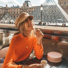 Coffee date with Louvre ☕️ @cluse @negin_mirsalehi #ClusexNegin #cluse