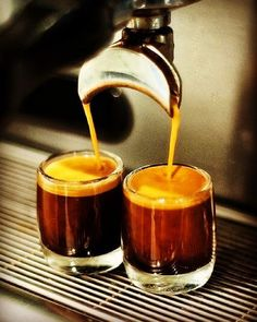 THIS is amazing coffee. Huehuetenango SHB farmed in the western hills of Guatemala. Poured in Brighton. #wearecoffee #freshcoffee #freeshipping #guatemala #huehuetenango #amazingcoffee #caffeineaddict #fortheloveofcoffee #coffee #roastedbeanco #roastedbean #coffeelover #welovewhatwedo #espresso #brighton #microroasters #coffeeroaster