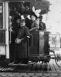 Extraordinary Candid Vintage Photographs That Capture Street Scenes of Vienna, Austria From the and Old Pictures, Old Photos, Vintage Photographs, Vintage Photos, Anita Berber, Cities, Artistic Photography, White Photography, Edwardian Era