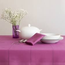 #mantel #brownie #rosa #bassols Container, Food, Strawberry Fruit, Wine Cellars, Essen, Meals, Yemek, Eten