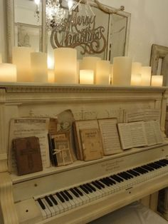 To own this piano! I would love to play again!Upright piano, vintage Christmas sheet music, and glowy candles. White Christmas, Vintage Christmas, Christmas Holidays, Christmas Decorations, Merry Christmas, Beautiful Christmas, Christmas Ideas, Magical Christmas, Christmas Morning