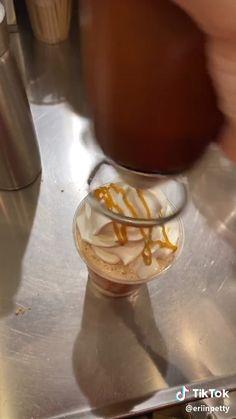 Starbucks Secret Menu Items, Starbucks Secret Menu Drinks, Healthy Starbucks, Starbucks Cookies, Starbucks Coffee, Starbucks Shop, Starbucks Order, Margarita Bebidas, Bebidas Do Starbucks
