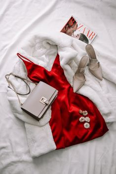Sexy Red Dress Valentine's Day Outfit Idea Source by ecemella outfit ideas for women Teen Fashion Outfits, Edgy Outfits, Night Outfits, Cute Casual Outfits, Dress Fashion, Red Satin Dress, Satin Dresses, Dress Red, White Dress