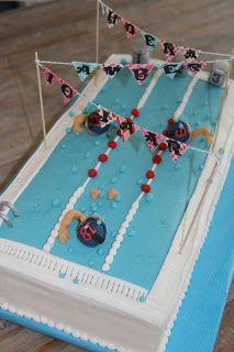 lekker zoet: Wedstrijd zwembad taart, met zwemmertjes die borst...