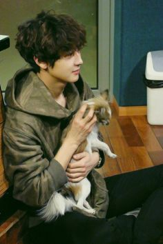 Soft Chanyeol with puppy- i love his hair like that so much