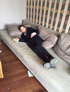 Reasons why this is the best sofa ever: It is massive and looks so comfy Brad Simpson is on it Bradley Will Simpson, Brad Simpson, I Have A Crush, Having A Crush, Bradley The Vamps, Treading Water, British Boys, 5 Seconds Of Summer, Playing Guitar
