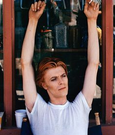David Bowie hangs out on the set of The Man Who Fell to Earth in this photo by Geoff MacCormack. Buy a David Bowie 1975 print today at Morrison Hotel Gallery. Beatles, Jack White, Johnny Depp, David Bowie Pictures, Morrison Hotel, The Thin White Duke, Intimate Photos, Tribute, Ziggy Stardust