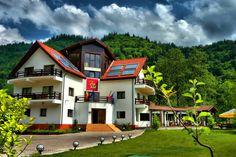9 pensiuni superbe - ideale pentru o escapada de toamna - Blogul HotelGuru.ro Home Fashion, Romania, Mansions, House Styles, Travel, Home Decor, Cabin, Viajes, Decoration Home