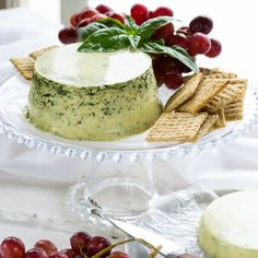Silky smooth and full of flavor, this plant-based cheese tastes great spread on crackers or melted in grilled sandwiches.