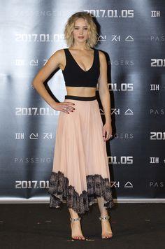 Jennifer-Lawrence-Feet-2546410.jpg (1986×3000)