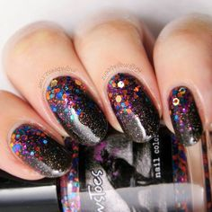 21 Exciting Ideas for New Years Nails to Warm Up Your Holiday Mood: Shine with Glitter New Years Nails! #newyearseve; #nails; #nailart; #naildesign