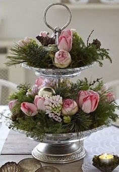 Pink and Green Christmas Deco Floral, Arte Floral, Floral Design, Floral Centerpieces, Floral Arrangements, Table Centerpieces, Seasonal Decor, Holiday Decor, Tiered Stand