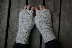 Ravelry: Fingerless Gloves Cloudburst pattern by Arienne Grey Fingerless Gloves Knitted, Knit Mittens, Knitted Hats, Lace Knitting, Knitting Patterns Free, Free Pattern, Crochet Patterns, Sport Weight Yarn, Mittens Pattern